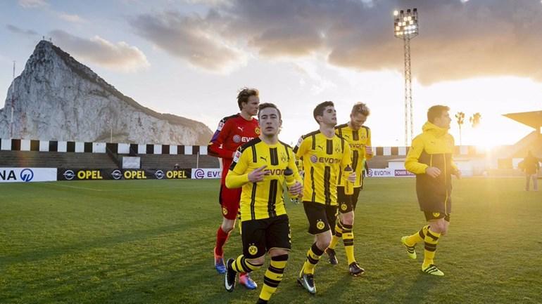 Borussia Dortmund vence PSV num particular em Espanha