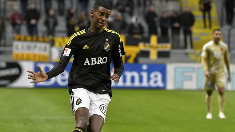 Dortmund oferece menos por Isak mas 'finta' Real Madrid