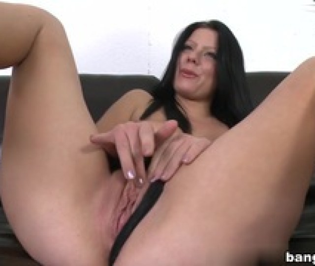 Klaudia Hot In First Facial On Cam