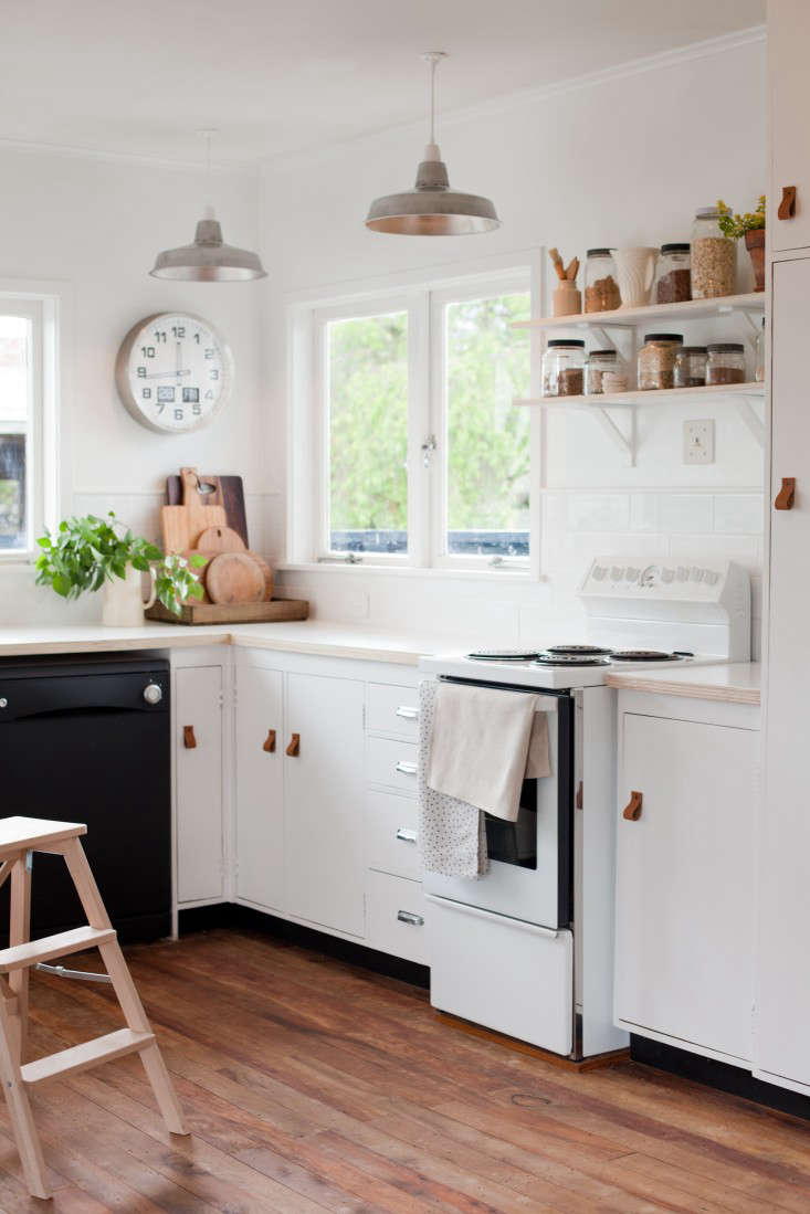 13 favorite cost-conscious kitchen remodels from the remodelista
