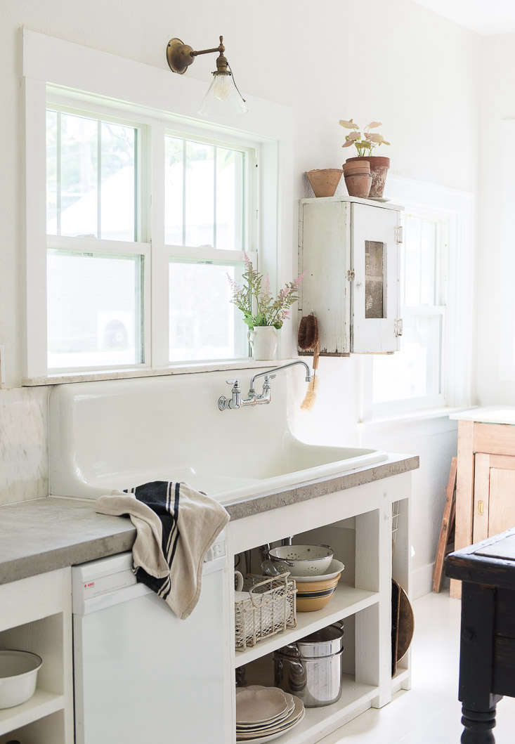 Remodeling 101: What to Know When Replacing Your ... on Farmhouse Counter Tops  id=92898