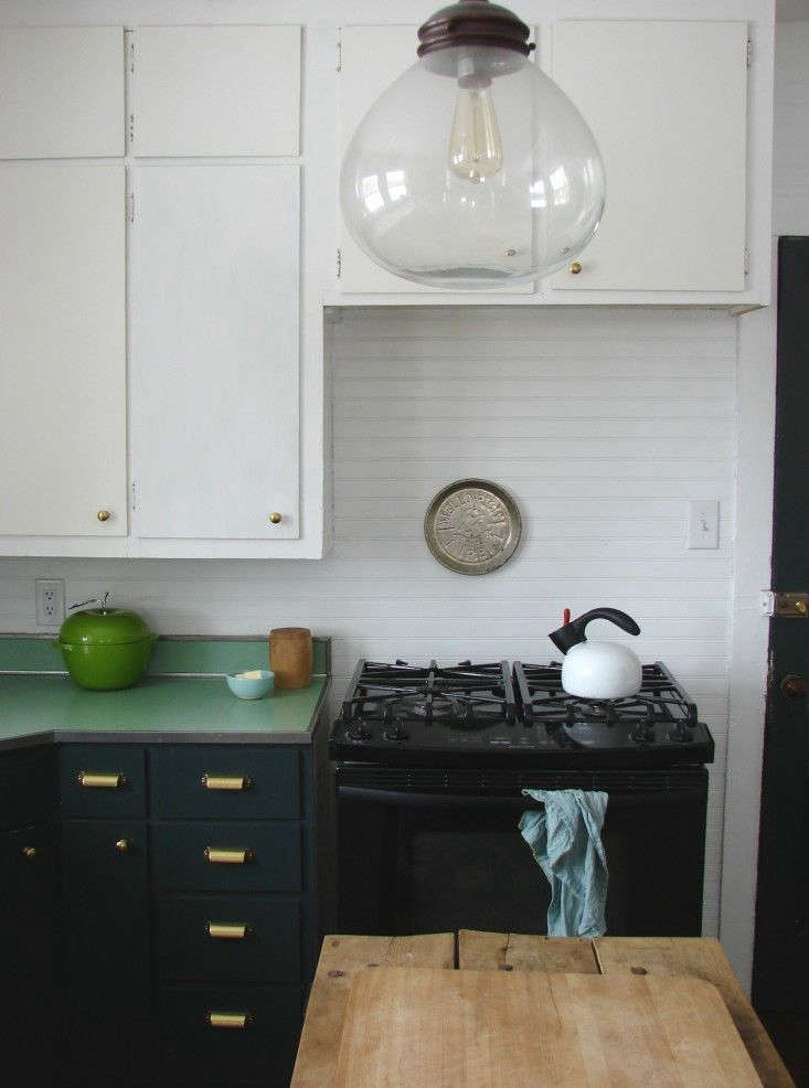 budget remodel bests transform your kitchen with paint on best paint for kitchen cabinets diy id=13298