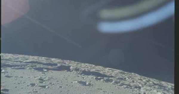 В сети появились фотографии астронавтов NASA на Луне в ...
