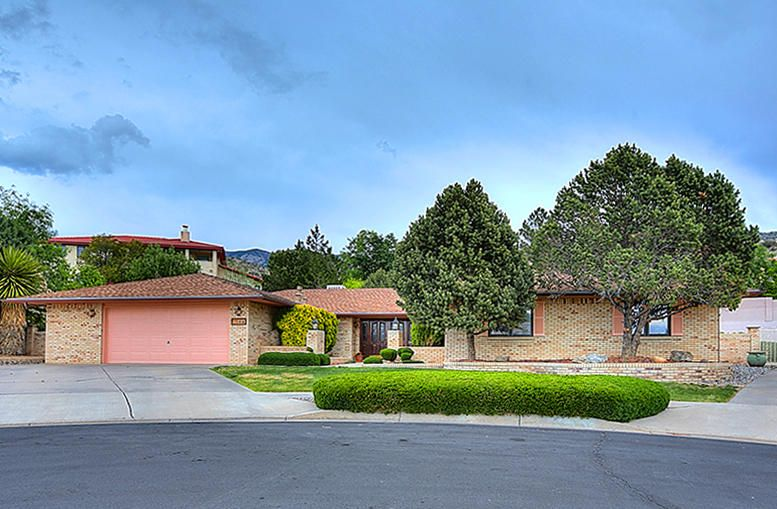 Distinctive Foothills/Vista del Mundo/Pinnacle View/Summit Hills! Majestic One Level, All Brick Custom Located on a Peaceful, Cul de Sac Lot with RV Parking & Access + an Inground Pool! Spacious, flowing floorplan w/4 bedrooms, separated Master w/a private bath + an office/nursery/indoor gym w/outdoor access, 3 baths, Huge greatroom w/a custom fireplace w/stone accents, raised ceiling, Pergo type flooring & outdoor access, formal dining room, large, eat-in country kitchen w/inviting nook, service room w/laundry sink + an oversized 2 car garage. Manicured front & backyards w/lush lawn, mature trees & shrubs, mature plantings, multiple entertainer's patio areas (open & covered) plus an in-ground pool (vinyl). Quality One Level Custom in the Heart of Vista del Mundo; Expect to be Impressed!