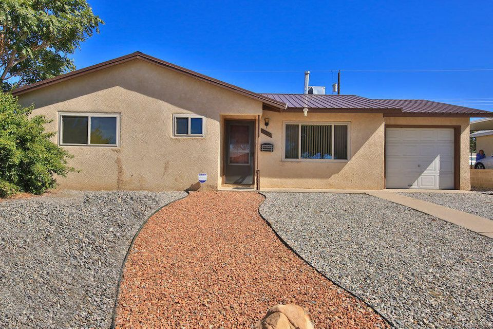 Back on the Market! Come see this Charming move in Ready Home! Perfect for First Time Home Buyers!! Updates include: Metal Roof, Updated Duo Pane Windows, Updated Kitchen, Updated Bath, Fresh interior Paint, Large Back Yard, Newer Evaporative Cooler! Open house Saturday Feb 25th from 1 to 3pm