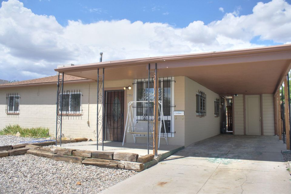 Beautifully remodeled light and open floorplan. Tile throughout the house and brand new carpet in bedrooms. Brand new GE appliances.