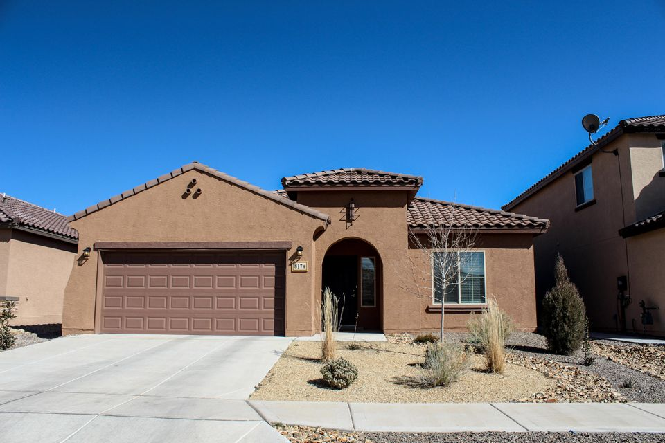 Finally your chance to live in Loma Colorado with a view and an affordable price.  Beautiful 2 year old Pulte home features granite counter tops Large open great room.  Large light master bedroom Lots of storage finished garage, landscaped back yard great views.CleanLightOpen