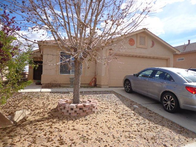 This Home Features 3 Bedrooms 2 full Baths.  Kitchen has Bar and Breakfast Nook with views of the backyard. 2 Car Garage Great Starter House. Fruit Trees in Front Yard.