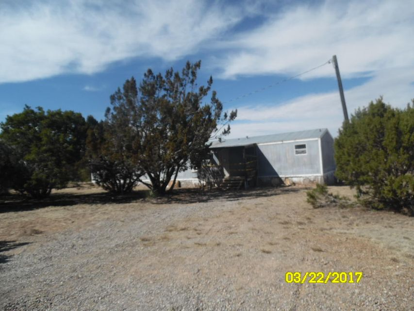 3 bedroom, 2.5 bath on 2.5 acres.  Cash only offers, selling ''as is.''