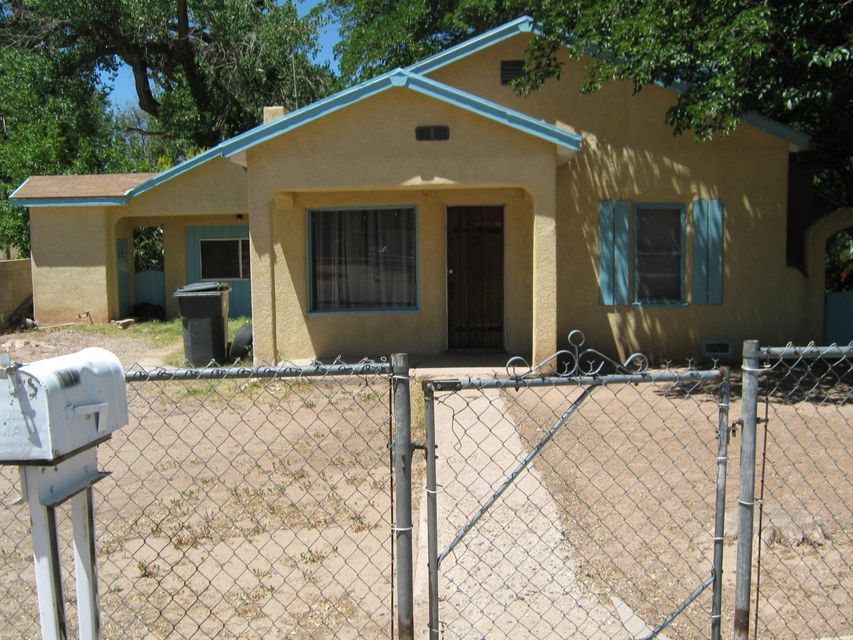 Lots of possibilities. Great investment opportunity or live in one and rent the other. Front home is 900 sq.ft, 3BD, 1BA and back home is 704 sq.ft., 2BD, 1BA. Conveniently located off of Rio Bravo, easy access to freeway, close to shopping, restaurants, medical. Close to the Rio Grande. Nice quiet neighborhood. Large lot w/mature trees.
