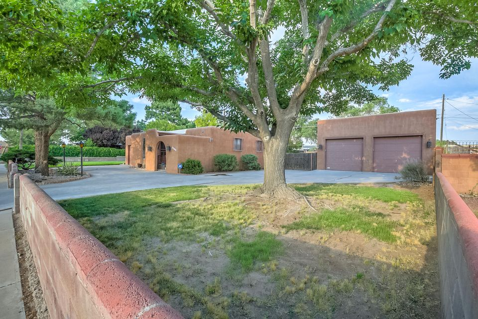 Well Maintained Home In Established North Valley Neighborhood.Don't Miss This Terrific Floor Plan That Offers 3 BR,2BA,2 Living Areas,Laundry Room, HUGE GARAGE-Fits 4 Cars,Has Built In Shelving & 50AMP Circuits For Welding!RV Pad W/Hook Ups!New Carpet,Fresh Paint!Large Grassy Front Yard W/Lush Trees For Curb Appeal,Enter A Bright Living Area With Lots Of Natural Light,The Open Kitchen Has Updated Counter Tops, Tons Of Cabinets, Newer Appliances Including Stainless Steel Gas Stove Range & Dishwasher!Big Master Bedroom With Private Master Bathroom & Closet. Enjoy The Cozy Second Living Area W/Wood Burning Fireplace!The Backyard Is Perfect For Summer Entertaining With A Brick Patio, Shady Trees, And More Lawn Area!The Location Is Centrally Located By Schools, Shopping, Restaurants & More!