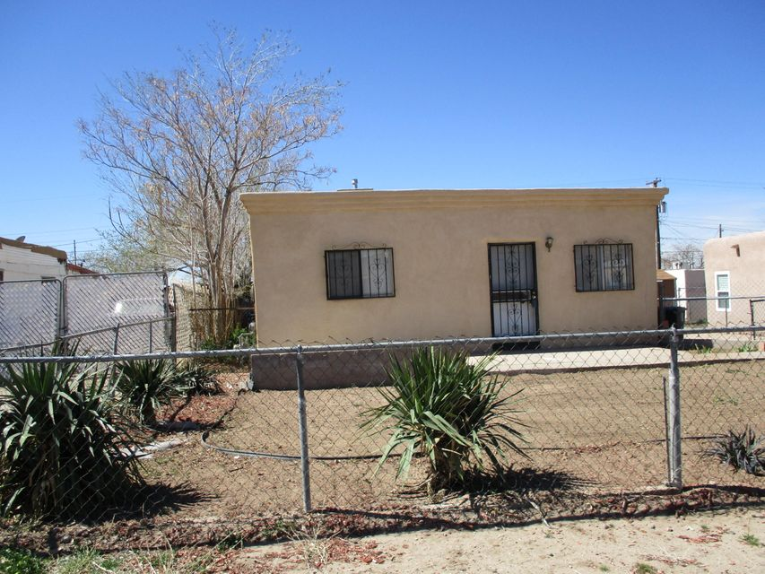 Great Opportunity!! 2 residences on 1 lot. The main home is 1159 sq.ft+/- with 3 bedrooms and 1 full bath.The guest house is an additional 1000 sq.ft.+/- with 2 bedrooms and 1 full bath. Good property to care for parent or other family member. Privacy available due to both dwellings on the same lot. Reasonably good conditionnot a bad find 2 residences on 1 lot SU-2/MR zoning as part of South Broadway Plan