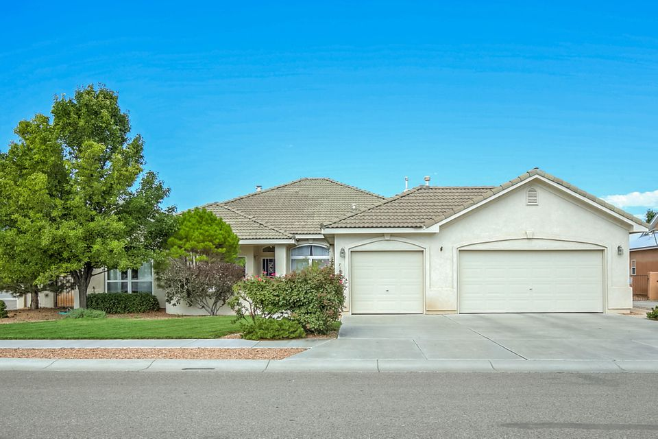 Single story semi-custom Stillbrooke home. 3 car garage, great room, 3 bedrooms, 3 baths, office, 10' ceilings. Upgraded kitchen, maple cabinets, quartz counter tops. Great location. Windows across rear of home. Great lot backing up to open space!