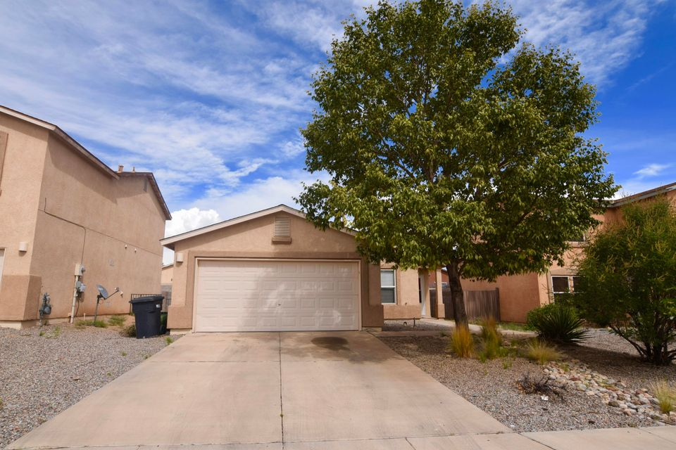 Come and see this amazing well taken care of home! 3 bed 2 bath open floorpan, high ceilings with large back yard, are just the beginnings to this great house in a nice subdivision that does not have an HOA! You don't want to miss this one!
