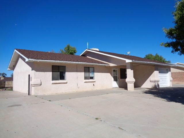 This 3 bedroom, 2 bath house has tiled flooring in the living room, dining area and kitchen. Vehicle access to the back yard.  Sold AS IS. Buyer has 7 day inspection period upon receiving ratified contracts. No repairs will be considered based upon inspection reports. If utilities are off due to property condition, Seller will not repair to facilitate inspections. Buyer is responsible for their own title policy. Seller to convey title via a quit claim/ non-warranty deed only.