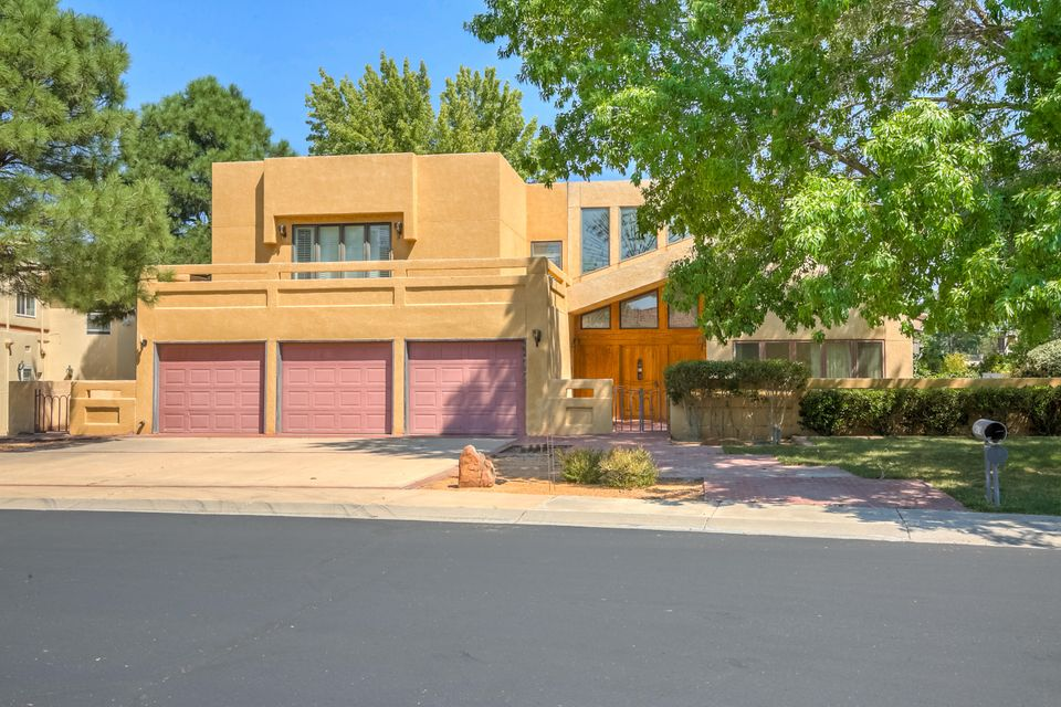 Homes for sale in albuquerque far northeast heights for Modern homes albuquerque