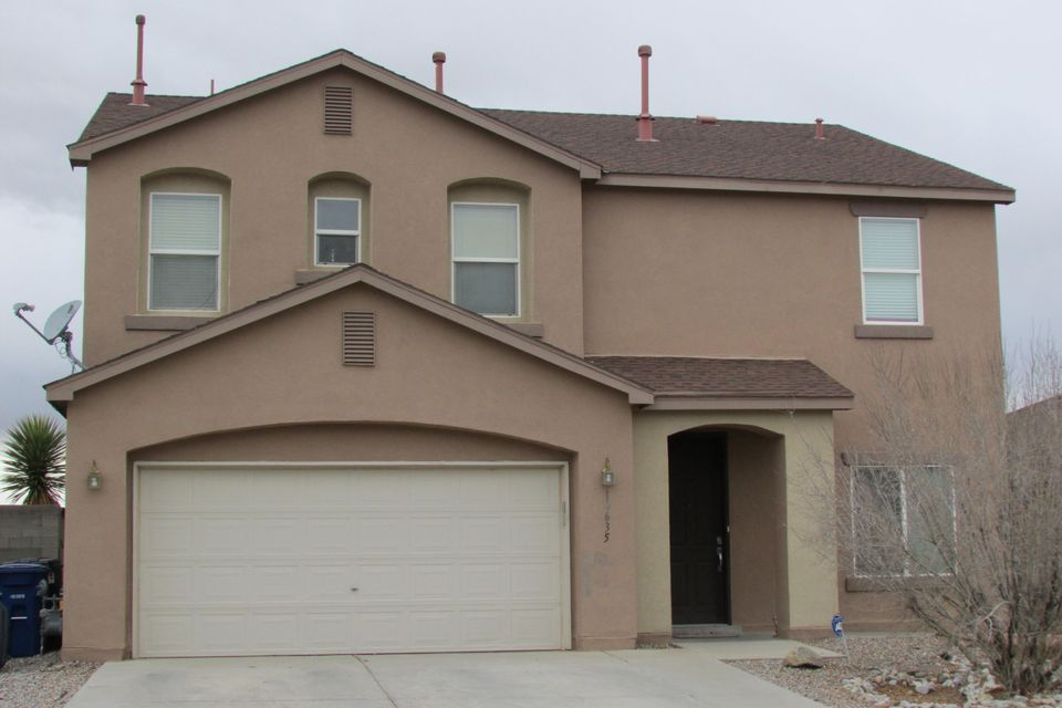 Welcome Home! This is a spacious home located in growing area.  Updated Kitchen. Beautiful large covered patio great for entertaining.  Spacious Master Bedroom with its own full Bath and walk in closet.  Schedule a showing today!