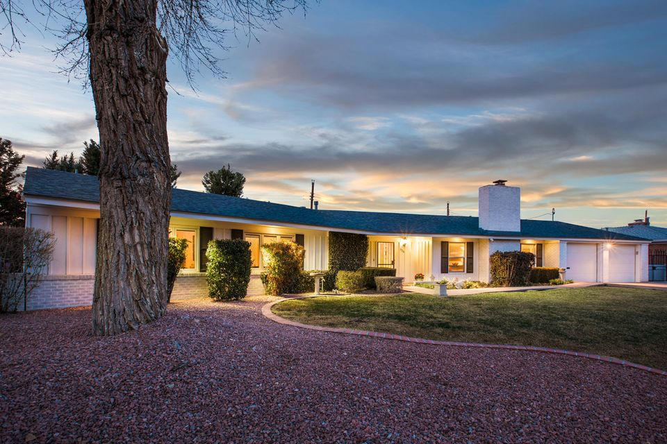 Homes For Sale in Albuquerque, NM 87104