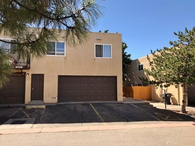 Remodeled condo with lower level access. Kitchen has new stainless steel appliances. New tile and wood laminate floors throughout. Bath has been completely redone with beautiful tile surround. All new windows, doors and fixtures.
