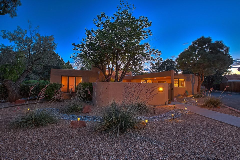 UPDATED Custom Home on .36 Acre Quiet CUL-DE-SAC Lot, RV PARKING and BACKYARD ACCESS. Enter through the Lush Courtyard w/ a Large Covered Patio, Gorgeous Kitchen w/ Granite C-tops, Custom Tile Backsplash, Updated Cabs, Stainless Steel Appliances, Huge Granite Island w/ Seating. OPEN FLOOR PLAN, Brick Floors, Fresh Paint, REFRIGERATED AIR, Tall Beamed Ceilings, Lots of NATURAL LIGHT. 3 Bedrooms plus a Game/Exercise/Media/Second Living Area/4th Bedroom! Large Bedrooms Separated from the Luxurious Master Suite & Updated Bath w/ its own private Courtyard. 3 Fireplaces, Large Private Backyard. Plenty of Room and Zoning allows for a Large Workshop. NO HOA!! ***INSPECTIONS AND REPAIRS COMPLETE, MOVE IN READY!!!*** Seller will consider a $500 Credit toward new Range Top with Acceptable Offer!