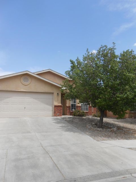 Great home,one of the Fuller Homes.Minutes away from the freeway,shopping and restaurants.Newer carpet and paint.