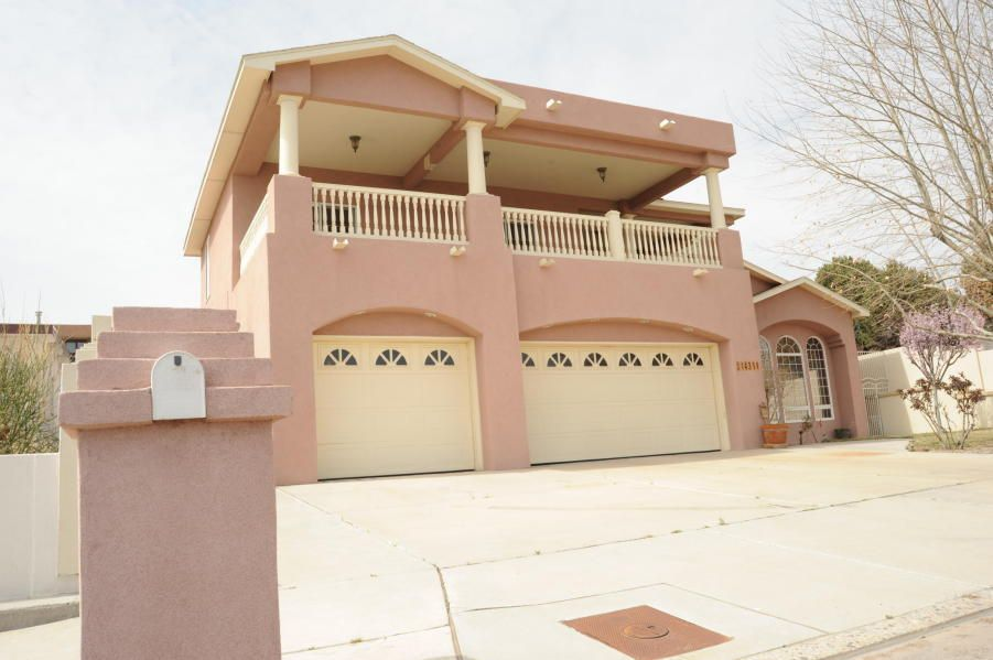 This home has some of the best views in Albuquerque. Oversized kitchen with granite counter tops, SS appliances, and open island. Master suite on the main level with large walk-in ,jetted tub and double sinks. The back yard is designed to entertain with in ground pool, hot tub, steam room, and outdoor kitchen. This is a must see home. Possible owner financing.