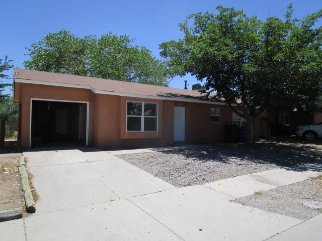 Good opportunity for Buyer to restore for equity.  Close to schools, city park and easy access to freeway.  Open floor plan, ceramic tile floors, private walled back yard.  All information herein has been obtained from MLS history and/or tax records. Square feet and other information has been obtained from county tax records.