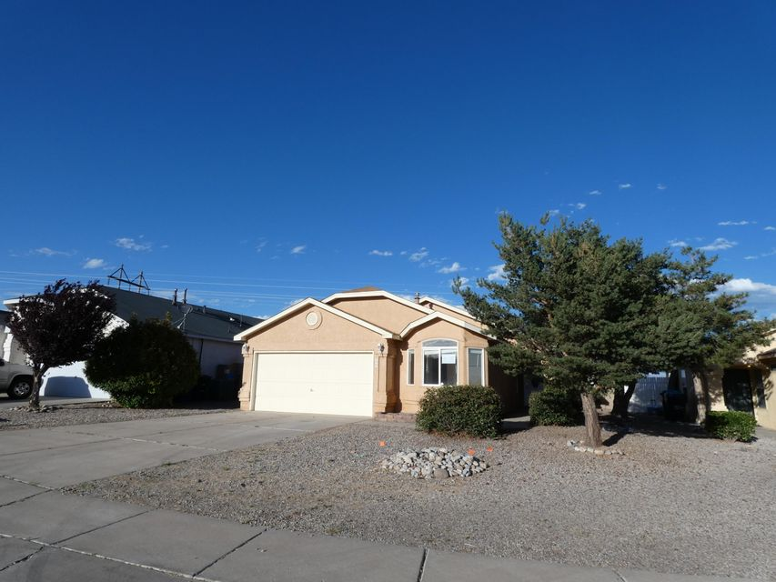 Proudly presented by Sage Acquisitions. Owner Occupant bids accepted thru 07/01/2018 @ 10:59 PM MST. Sold AS-IS w/all faults. No pre closing repairs or payments will be made for any reason. Home is insurable with repair escrow and is eligible for FHA financing w 4,100.00 repair escrow. For Utility Turn Ons: Approval must be granted in advance from HUDs Field Svc Mgr. In cases where plumbing deficiencies exist approval for water turn on may be denied. Review PCR for utility turn on information. PCR is not to be relied upon in lieu of a home inspection. ''Insurability subject to buyer's new appraisal.'' Equal Housing Opportunity. $100 down payments on HUD Homes financed with FHA-insured financing for Owner Occupant buyers thru 6/30/2018
