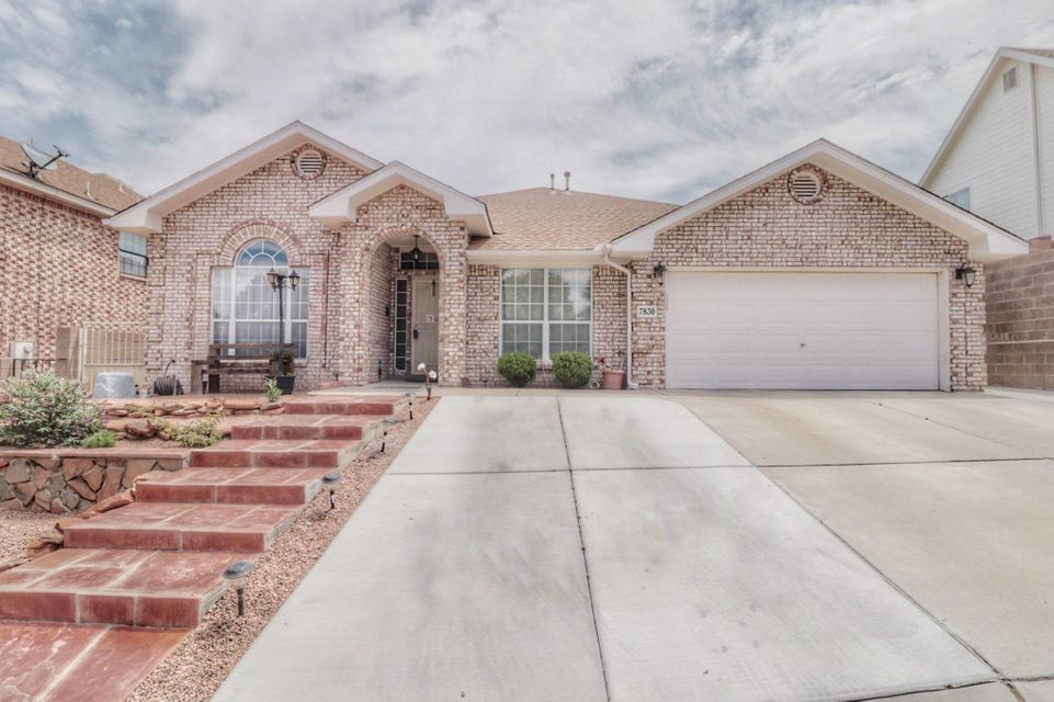 Gorgeous single story Opal Jenkins Brick home! This home has three master suites with bathrooms in each room. Home as a huge office that can also be turned into a 4th bedroom. Two living areas, breakfast nook,Refrigerated Air! Backyard is very private with covered patio front and back fully landscaped! This home will not last long! Come see today!