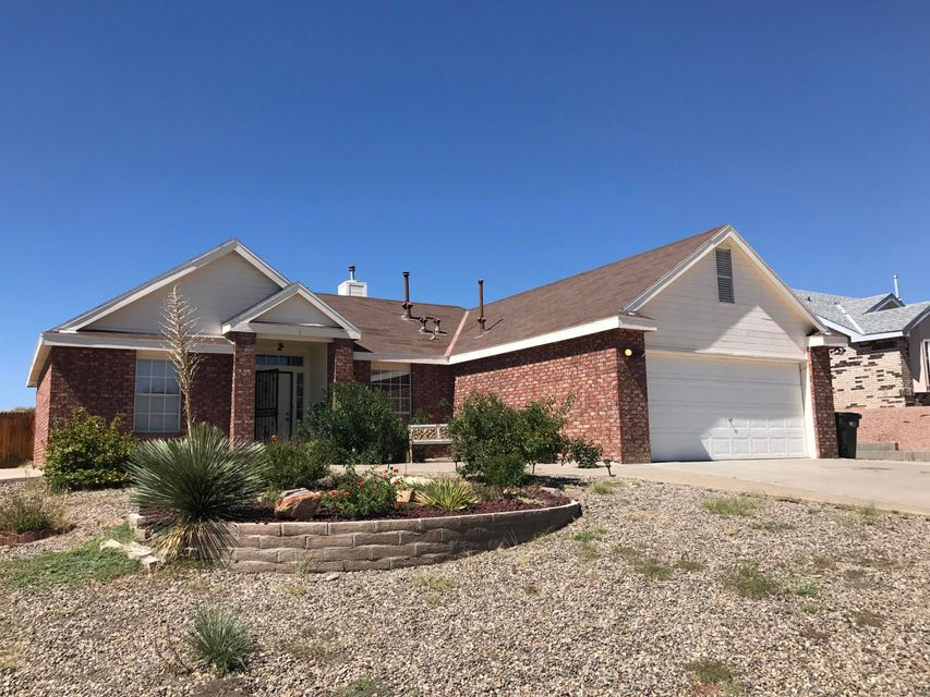 Nice open floor plan!  Spacious 3 bed 2 bath home in desirable Las Maravillas Subdivision in growing Los Lunas.  Granite countertops, fully landscaped including water feature in back yard, and on a lot that backs up to open space.  Short drive to Albuquerque!