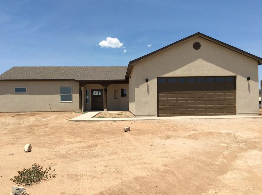 BEAUTIFUL NEW CUSTOM HOME FILLED WITH UPGRADES5 ACRE LOT 3 BEDROOM AND AN OFFICE 2 FULL BATHHORSE PROPERTYOPEN FLOOR PLANCUSTOM GAS FIREPLACETHIS PROPERTY IS A MUST SEE!!!!