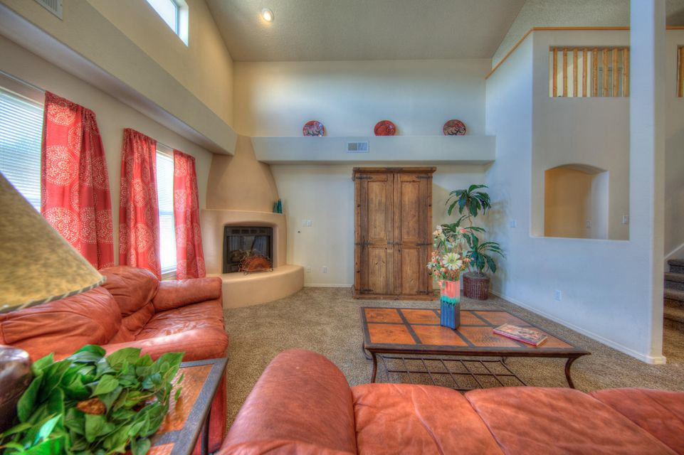 Beautiful Kim Brooks home located in desirable NW Height location. Enjoy this spacious 3/4 bedroom home with Master Suite down stairs with 2 additional bedrooms plus family room up stairs. Beautiful Granite counter tops in kitchen and baths. Open light and bright. Move in ready make this a must see.