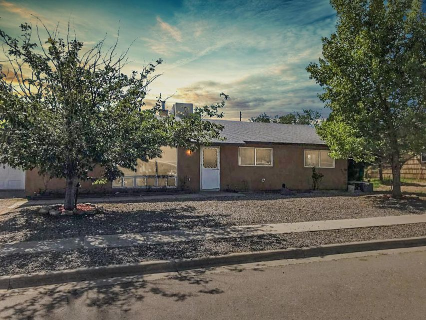 Nicely remodeled home in a quiet secluded neighborhood just minutes from I-40 west of Albuquerque!
