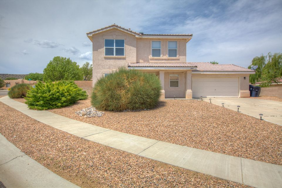 Welcome to this beautifully maintained 3 bedroom, 3 bath home.  Neutral color palate throughout. Master suite on main level with walk-in closet, jetted tub and double sink. Stainless steel appliances in kitchen. Possible backyard access on .21 of an acre, corner lot!
