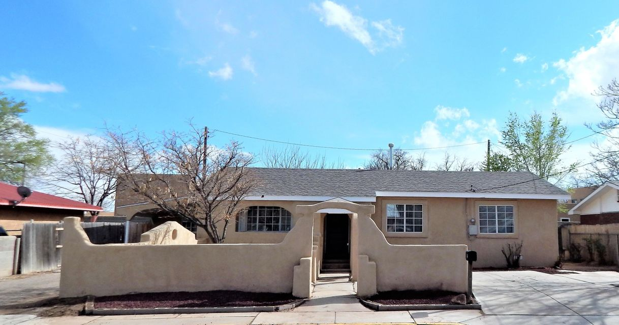 Great 4 bedroom home in the heart of Los Lunas.Totally remodeled with new roof, stucco, HVAC unit, carpet, paint & appliances. Two living area, both bathrooms, hallways & kitchen all with new tile floors. Huge & bright floor plan with lots of space.Close to schools, shopping, restaurants & transportation.Thank you for showing.
