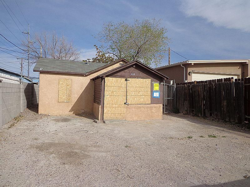Investors welcome, Rental potential area.Preview and make offer. Check the zoning, good possibilities