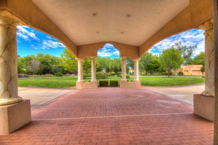 1422 El Portal NW, Los Ranchos, NM 87107