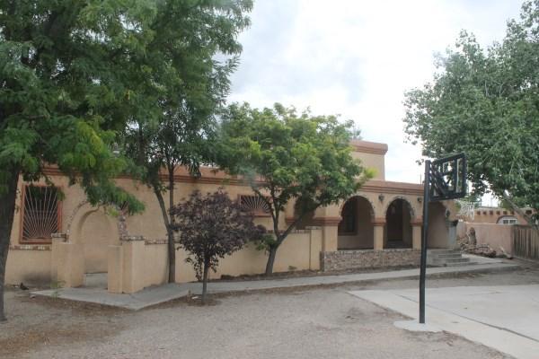 1923 De Baca Circle SW, Albuquerque, NM 87105