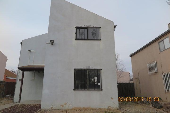 1817 Ash Court SE, Albuquerque, NM 87106