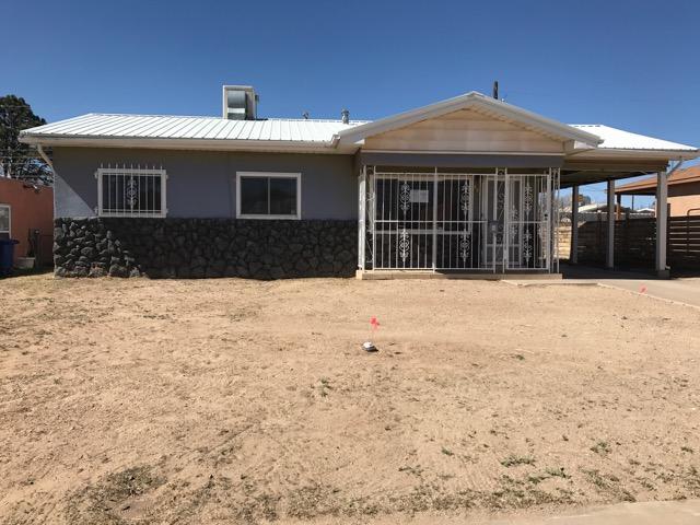 521 Torrance Street SE, Albuquerque, NM 87108