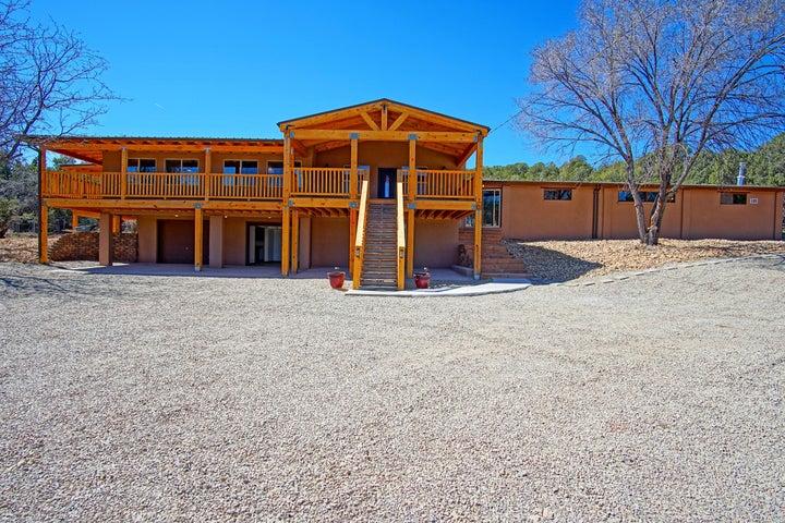 12423 N 14, Cedar Crest, NM 87008