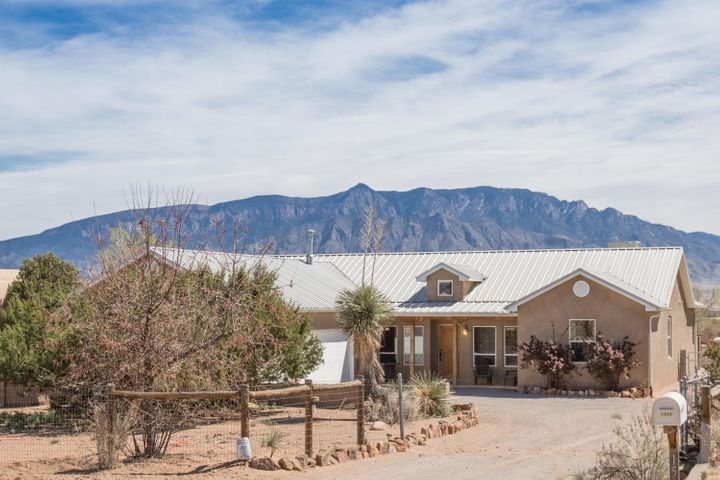 1530 Chihuahua Road NE, Rio Rancho, NM 87144