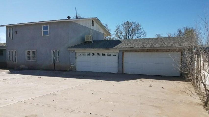 1128 Vito Romero Road SW, Albuquerque, NM 87105