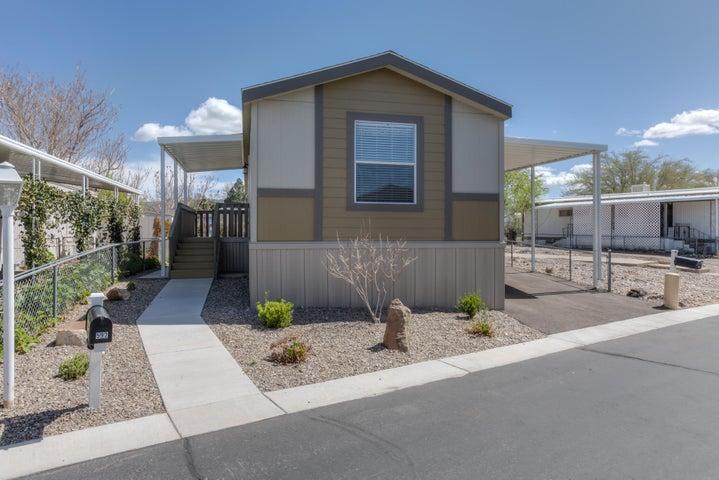 592 Doe Lane SE, Albuquerque, NM 87123