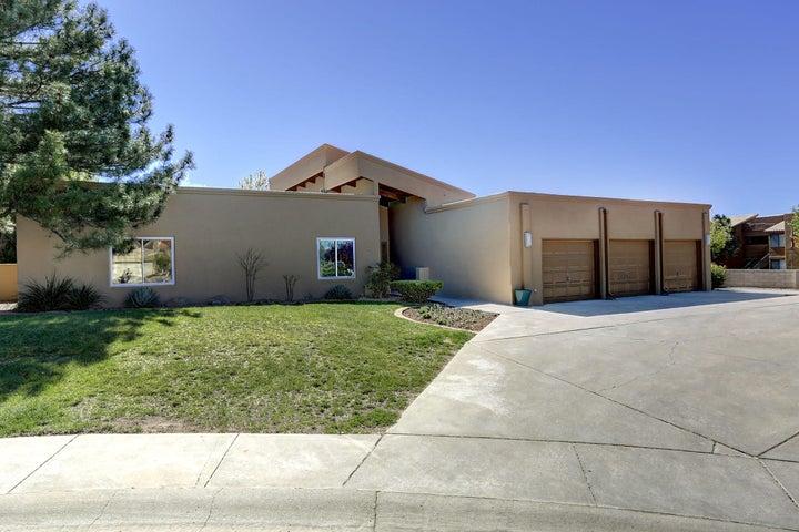 6400 Meadow Hills Street NE, Albuquerque, NM 87111