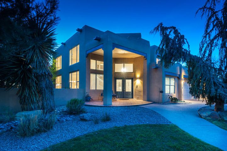 7303 New Dawn Court NE, Albuquerque, NM 87122