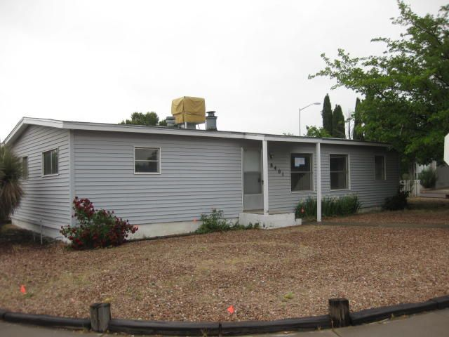 8401 Creek Street NE, Albuquerque, NM 87113