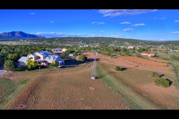 11 Berta Drive, Edgewood, NM 87015