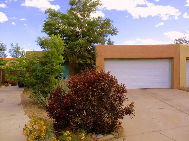 5900 Prenda De Oro NW, Albuquerque, NM 87120