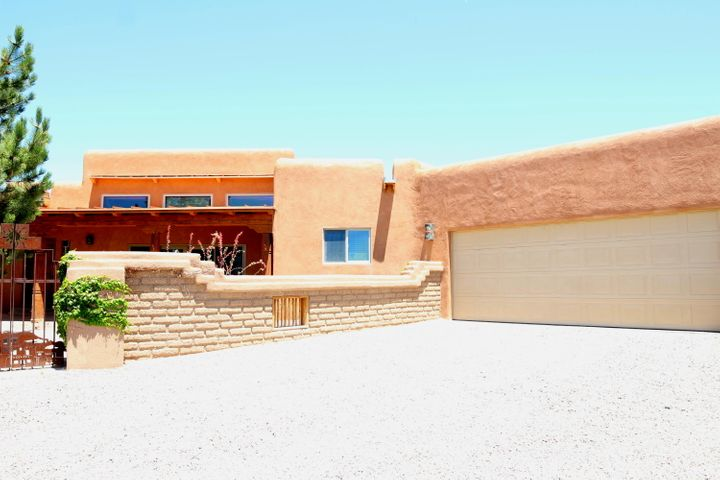 6 Ariel Court, Placitas, NM 87043